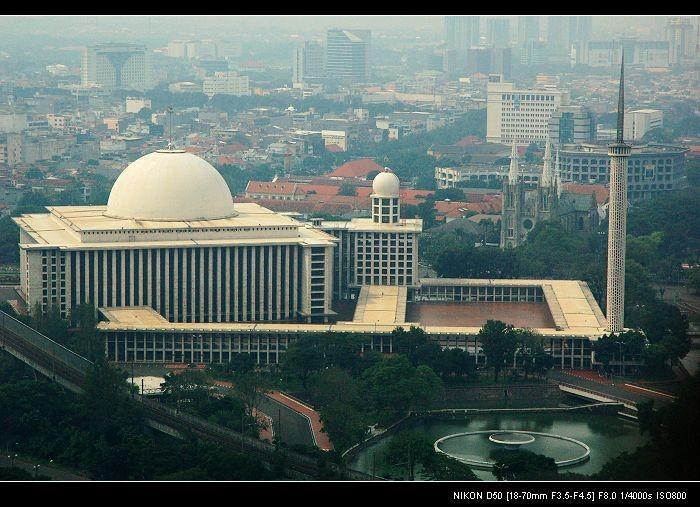 رحلة مسجد الاستقلال جاكرتا اندونيسيا
