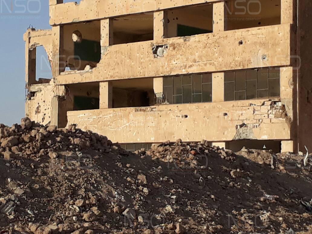 ثانوية بلدة جزعة بعد إزالة أكوام الركام من حولها